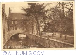Image #1 of Bruges - Park Alfred Ronse (Behind Gruuthuse)