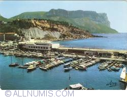 Image #1 of Cassis - Harbour and Casino, Beach and Cap Canaille (1967)