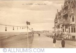 Image #1 of De Panne - Dyke and Sea (La Digue et la Mer)