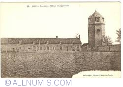 Image #1 of Lo (Lo-Reninge) - Ancient St. Peter's Abbey and Dovecote