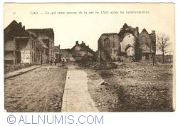 Image #1 of Lo (Lo-Reninge) - What rests of East Street after a bombardment