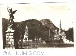 Image #1 of Lourdes - Basilique, Esplanade and St. Michel (1952)