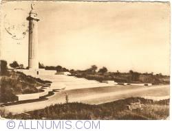 Image #1 of Montfaucon-d'Argonne - American Monument (Le monument américain)