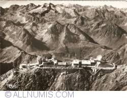 Image #1 of Pic du Midi de Bigorre - Aerial view of the Observatory (1967)