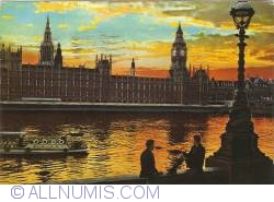 London - Sunset over the Houses of Parliament