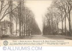 Image #1 of Thuin - Monument of M. Benoit Constant Fauconnier