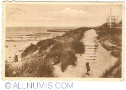 Image #1 of Wenduine - A Path in the Dunes
